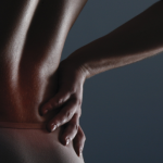 Herniated disc: what it is, what symptoms and how to treat